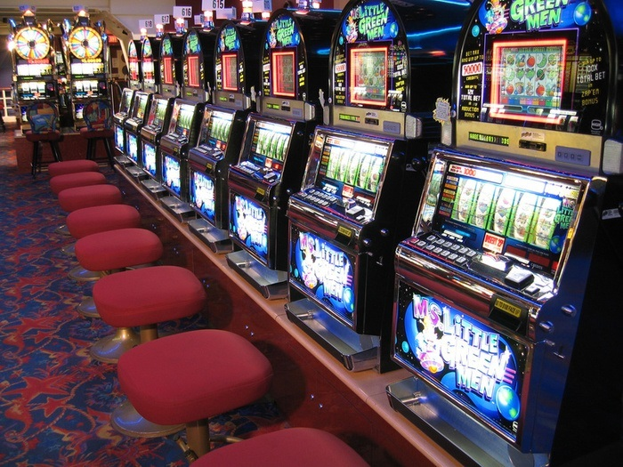 What machines to play at a casino